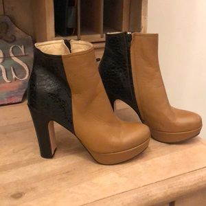 Diana Broussard Heeled Booties Leather Italy